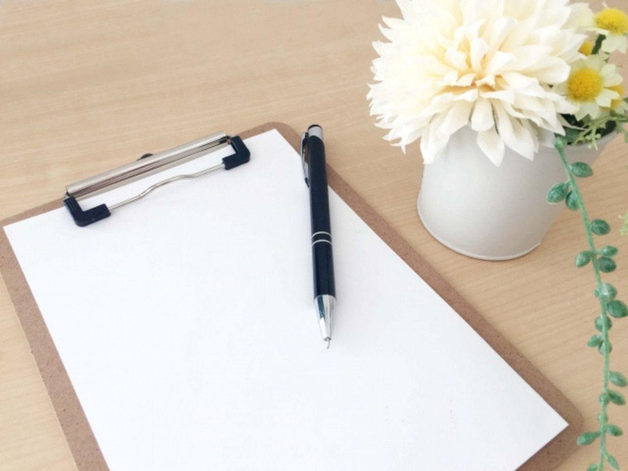診察で使用するノートとペン