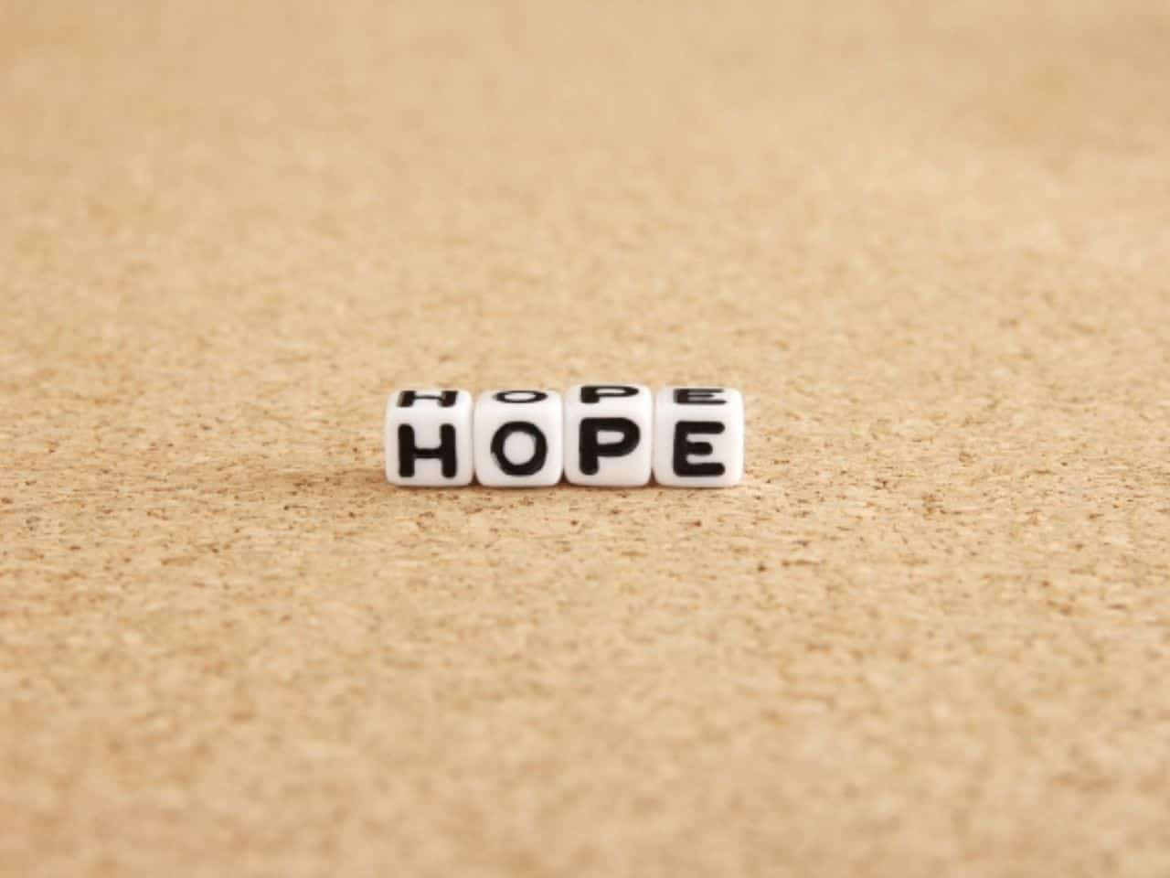HOPEと書かれたサイコロ