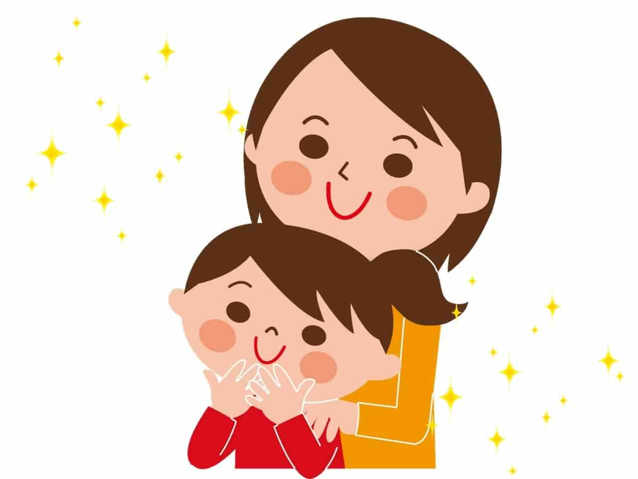 仲良く寄り添う母と娘