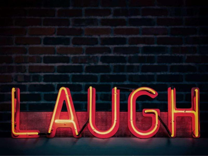 laughのネオンサイン