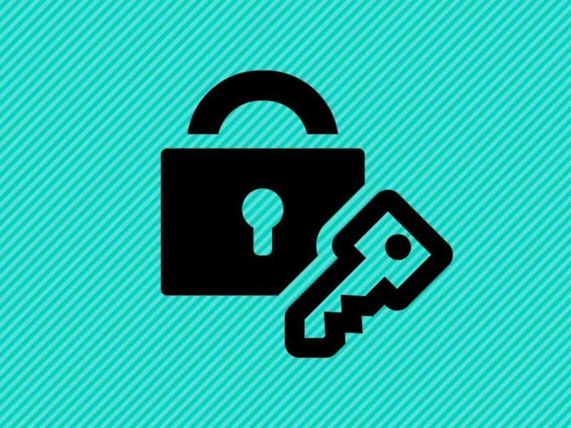 ロック錠と鍵のシルエット