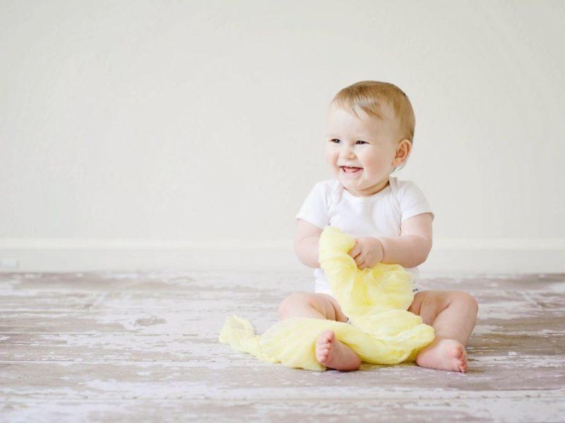 笑顔の赤ちゃん